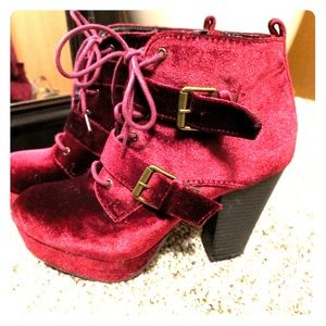EUC! Booties, Lace-Up Velvet Ankle Boots, Report 8